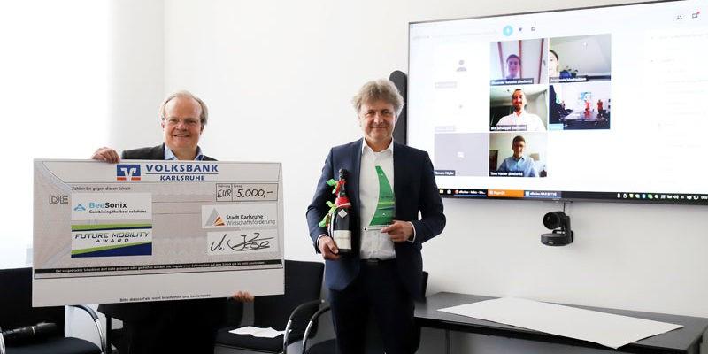 Waldemar Epple und Dr. Frank Mentrup überreichen Future Mobility Award