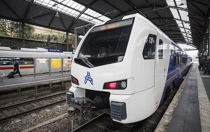 Ein FLIRT von Arriva Nederland im deutschen Aachen
