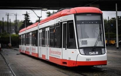 Neue FLEXITY-Straßenbahn für Duisburg - ausgestattet mit dem ODAS-System zur Kollisionsvermeidung.