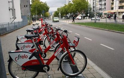 Fahrräder des Freiburger Fahrradverleihsystems Frelo