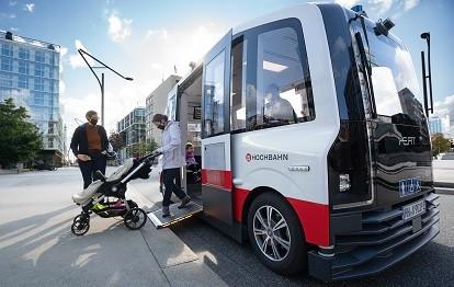Autonomer Shuttle startet in den Fahrgastbetrieb