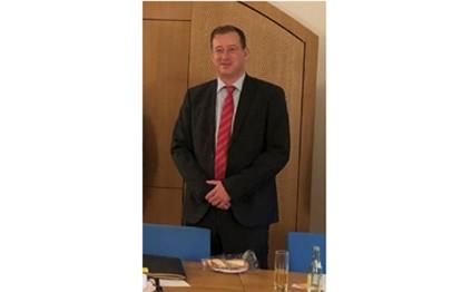 Dr. Robert Frank ist als Vorsitzender VDV-Landegruppe Bayern bestätigt worden.