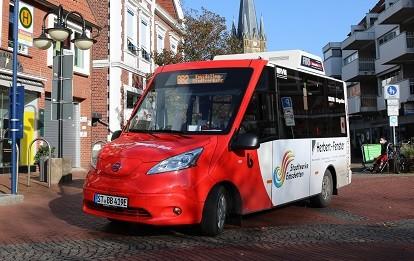 BürgerBus an der innerstädtischen Haltestelle Sparkasse (Bild: RVM)