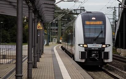 Seit September 2020 konnte National Express bereits im Rahmen von Leerfahrten (ohne Fahrgäste) inklusive regulären Bahnsteighalten dem angehenden und bereits ausgebildeten Zugpersonal die Fahrzeugausbildung und Streckenkunde auf der Strecke des RE 4 vermitteln und somit Erfahrungen für den Regelbetrieb sammeln.