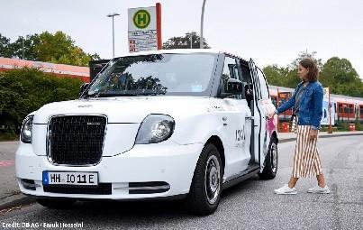 Gemäß dem Ridepooling-Ansatz werden die ioki-Kunden in Hamburg mit ähnlichen Routen mit Hilfe eines Algorithmus automatisch zu Fahrgemeinschaften gebündelt und gemeinsam befördert.