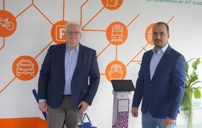 Martin Timmann, Sprecher der Geschäftsführung und Sebastian Neil Hölken, Geschäftsführer von HanseCom
