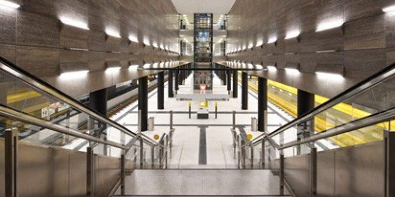 Am 4. Dezember 2020 haben die Berliner Verkehrsbetriebe (BVG) die neue Linie U5 in Betrieb genommen. Mit 22 Kilometern Streckenlänge zwischen Hönow und Hauptbahnhof ist sie ab sofort die zweitlängste U-Bahnlinie der Hauptstadt.