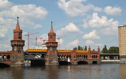 Das von der EU ausgerufene 'Jahr der Schiene' ist für den VDV das richtige Signal, um bei den städtischen Bahnangeboten sowie bei der Eisenbahn im Fern- und Güterverkehr wieder mit voller Kraft Fahrt aufzunehmen in Richtung Mobilitätswende.