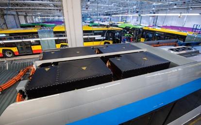 Die ersten ausgelieferten Solaris-Busse haben bereits jeweils über eine halbe Million Kilometer zurückgelegt. Dies bedeutet, dass in einigen davon die Batteriepacks ausgetauscht werden müssen.