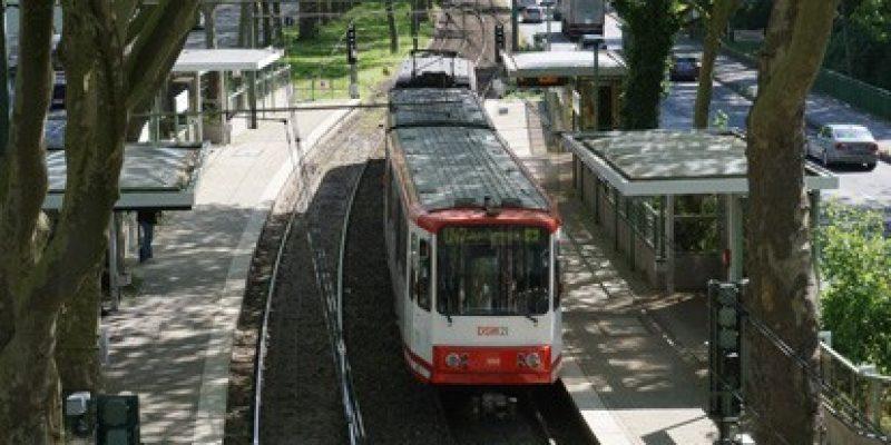 Das Ziel des nordrhein-westfälischen Verkehrsministeriums ist es, den Anteil des ÖPNV am Modal Split zu verdoppeln. Dazu beitragen soll ein neues Förderprogramm des Landes NRW im Rahmen der ÖPNV-Offensive, welches die Förderung von Planungsleistungen für Schieneninfrastrukturprojekte des ÖPNV (Schienenpersonennahverkehr, kurz SPNV, und kommunale Schiene) vorsieht.