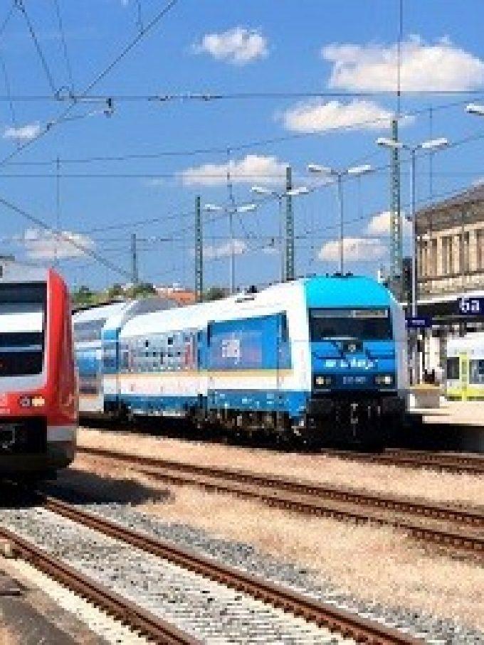 Deutsche Bahn, Alex (Die Länderbahn) und Agilis in Hof, Oberfranken (Bild: BEG / Uwe Miethe)