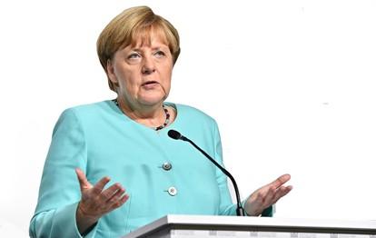 Bundeskanzlerin Angela Merkel und die Ministerpräsidenten treffen sich am 10.02. 2021 zum Corona-Gipfel und diskutieren die Corona-Regeln. Dabei wird auch über eine mögliche Verlängerung des Lockdowns entschieden.