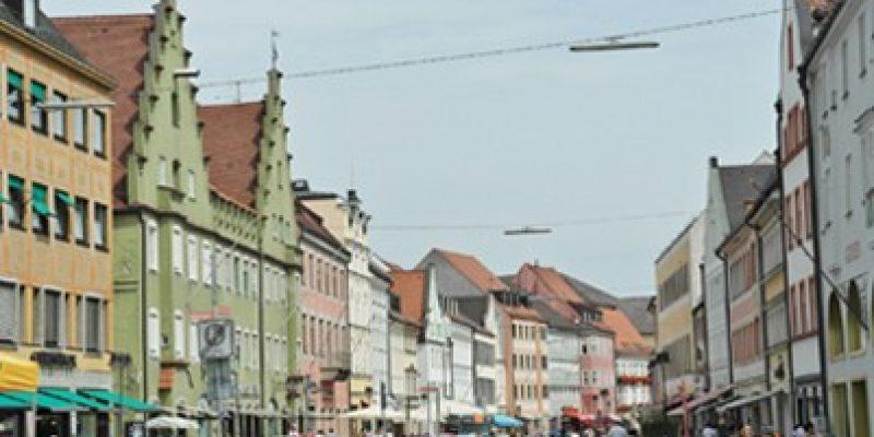 """Der sogenannte """"On-Demand""""-Verkehr soll dem Landkreis München helfen, Mobilitäts- und Klimaziele zu erreichen. Die Fortentwicklung des klassischen Rufbusses funktioniert via App."""