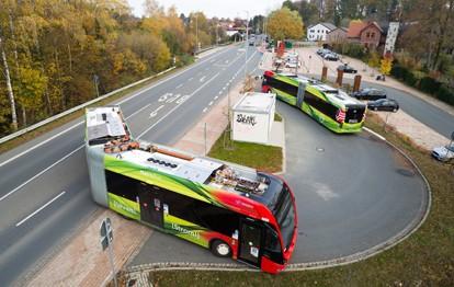 Vor gut einem Jahr, am 5. Februar 2020, fiel der Startschuss für das neue Busnetz in Osnabrück – noch unter ganz anderen Vorzeichen. Trotz aller Corona-Einschränkungen sind die Fahrgäste sowohl mit dem aufgestockten Busnetz als auch mit den digitalen Ticket- und Infoangeboten sehr zufrieden.