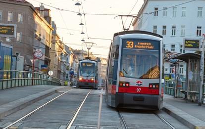 Die Wiener Linien halten Wien stets mobil. Das haben die MitarbeiterInnen der Wiener Öffis im vergangenen Jahr mit Bravour bewiesen. Trotz Coronakrise haben sie Fahrgäste weiterhin sicher und schnell durch die Stadt gebracht sowie wichtige Modernisierungs- und Ausbauprojekte auch unter erschwerten Bedingungen abgeschlossen.