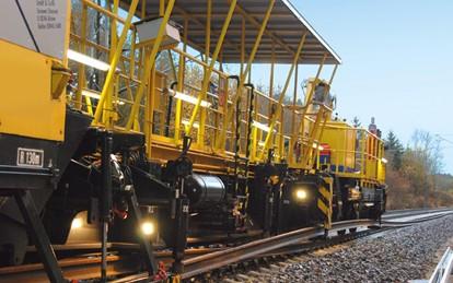 In einem von Covid-19 geprägten Jahr kann Vossloh, auch aufgrund der überdurchschnittlich hohen Krisenstabilität der Bahninfrastrukturbranche, aus operativer und strategischer Sicht auf ein sehr erfolgreiches Geschäftsjahr 2020 zurückblicken.