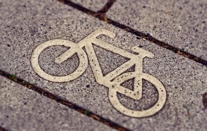 Das Ziel im neuen Fahrrad- und Nahmobilitätsgesetz Nordrhein-Westfalen (FaNaG NRW) ist eindeutig formuliert: 25 Prozent der Wege in Nordrhein-Westfalen sollen künftig mit dem Fahrrad erledigt werden.