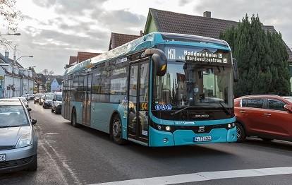 Metrobuslinie M60 in Frankfurt mit E-Bus (Bild: traffiQ / Vogler)