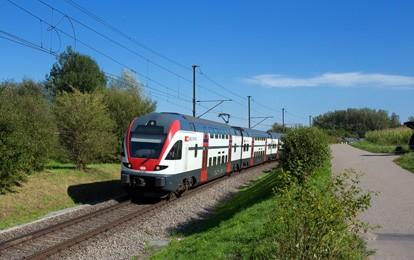 Die SBB bestellt bei Stadler für rund 1,3 Milliarden Franken 60 weitere Interregio-Doppelstockzüge. Damit schafft die SBB genügend Kapazitäten für den Angebotsausbau im Regionalverkehr und erfüllt die Vorgaben des Behindertengleichstellungsgesetzes im Fernverkehr. Für die 60 Züge löst die SBB eine bestehende Option ein.