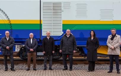 Seit dem 1. Januar 2021 hält die Robel Holding GmbH (Robel) eine Beteiligung von 25,1 Prozent an der Schweerbau International GmbH & Co. KG (SBI) in Stadthagen. Das niedersächsische Unternehmen, das sich auf die Entwicklung von Schienenbearbeitungstechnologien spezialisiert hat, erteilt Robel die exklusiven Rechte für die Vermarktung aller SBI Technologien und daraus abgeleiteten Produkte.