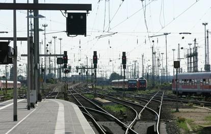 Für eine neue bahnpolitische Grundausrichtung hat sich Dirk Flege, Geschäftsführer des gemeinnützigen Verkehrsbündnisses Allianz pro Schiene, am Montag auf dem Schienengipfel in Berlin ausgesprochen.