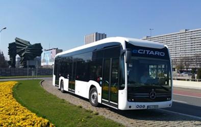 Daimler Buses hat den ersten Auftrag über vollelektrische Stadtbusse für Polen erhalten. Der geplante Auftrag setzt sich aus acht Gelenk- und 16 Solobussen zusammen.