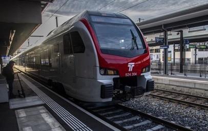 Die Schweizer Bundesbahn SBB setzt eine Customer Service Management-Plattform ein, die den Kunden schnell und unkompliziert den Zugang zu Entschädigungen für Reiseverspätungen ermöglicht. Die Plattform bedient nicht nur 1,3 Millionen Zugreisende im Land, sondern unterstützt auch den Schweizer ÖV, die nationalen Fahrgastrechte einzuhalten.