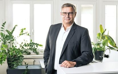 Jürgen Kern, seit 2001 Gesellschafter und seit 2003 CEO der NetModule Gruppe, zieht sich zum 1. August 2021 aus der operativen Führung des Unternehmens zurück und wechselt in den Verwaltungsrat.