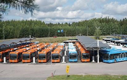 Der chinesische Hersteller BYD hat 76 E-Busse an den Nahverkehrsbetreiber Nobina für den Einsatz in der finnischen Hauptstadt Helsinki ausgeliefert und damit den Auftrag über insgesamt 119 Fahrzeuge abgeschlossen.