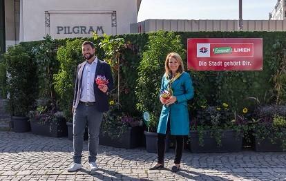 Foto v.l.n.r.: Mariahilf-Bezirksvorsteher Markus Rumelhart und Wiener Linien-Geschäftsführerin Alexandra Reinagl (Bild: Wiener Linien)