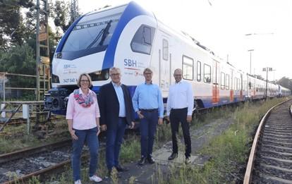 Die Transdev Hannover GmbH wird ab dem 12. Dezember 2021 insgesamt drei Linien im S-Bahn-Streckennetz Hannover übernehmen. Passend zum großen Fahrplanwechsel im Dezember 2021 werden auf den Linien zwischen Hildesheim und Hannover (S 3) sowie Celle und Hannover (S 6/S 7) die neuen blau-weiß-roten Züge der SBH-Hannover fahren.