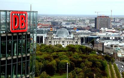 Aus Sicht der Deutschen Bahn (DB) überzieht die Spitze der Gewerkschaft Deutscher Lokomotivführer (GDL) mit ihrer Ankündigung einer dritten Streikwelle völlig. Der Streik sei in der Sache durch nichts gerechtfertigt.