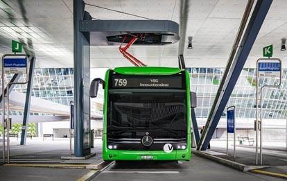 Die Verkehrsbetriebe Glattal (VBG) unweit von Zürich werden den Mercedes-Benz eCitaro voraussichtlich ab September fast rund um die Uhr im regulären Linienbetrieb einsetzen. Damit kann der vollelektrisch angetriebene Niederflur-Stadtbus seine hohe Leistungsfähigkeit unter Beweis stellen.