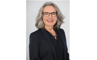 Auf der heutigen (10.9.2021) Mitgliederversammlung des Bundesverbands SchienenNahverkehr wurde Susanne Henckel, Geschäftsführerin des Verkehrsverbunds Berlin-Brandenburg (VBB), in ihrem Amt als Präsidentin des Verbands bestätigt.