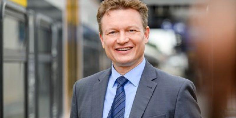 Seit dem 1. Oktober 2021 zählt Karsten Schulz zum Geschäftsführungsteam von Keolis Deutschland. Ab Januar 2022 wird er zudem die Funktion des technischen Geschäftsführers übernehmen.