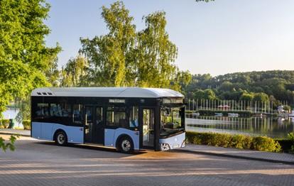 Am 30. September 2021 um 12:00 Uhr feierte der neue elektrische Solaris-Bus, der Urbino 9 LE electric, seinen Erstauftritt. Der Hersteller entschied sich erneut für eine Online-Premiere im interaktiven Format.