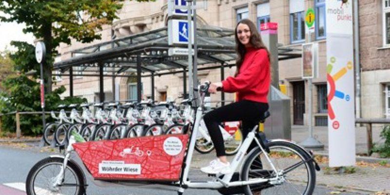Die VAG Verkehrs-Aktiengesellschaft Nürnberg baut ihr Leihfahrradsystem VAG_Rad weiter aus: Ab sofort stehen zwölf Lastenräder an verschiedenen VAG_Rad-Stationen im Innenstadtbereich zum Ausleihen bereit.